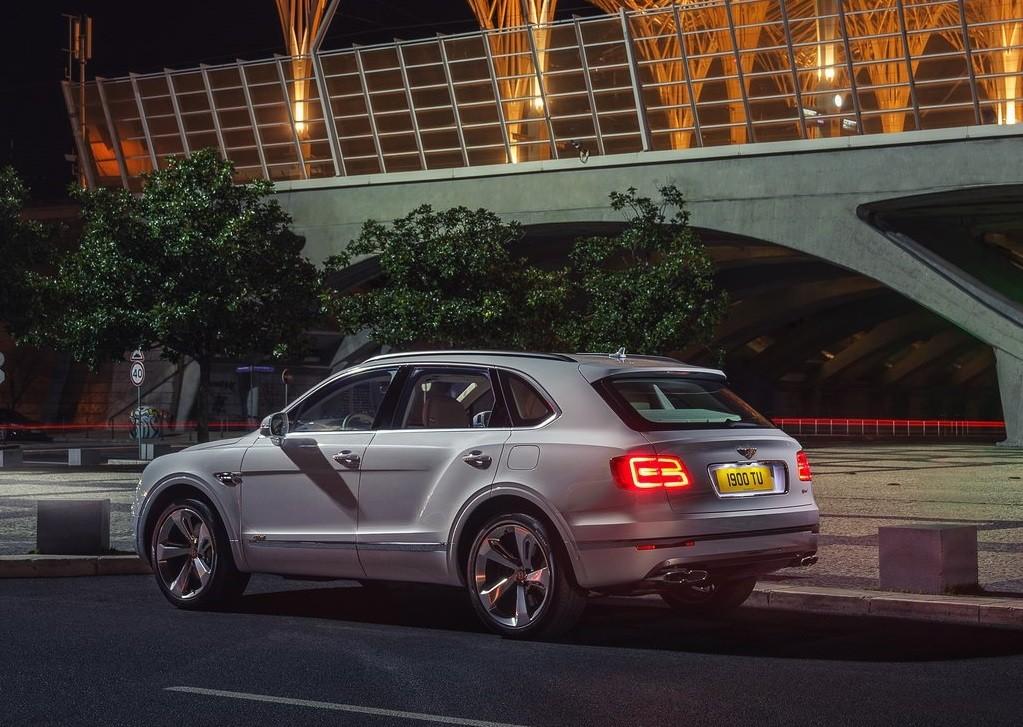 Foto de Bentley Bentayga Hybrid (7/23)