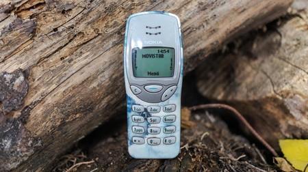 Volvemos al Nokia 3210: un teléfono con más de 20 años que sigue funcionando como móvil básico