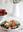 Ensalada de fresas con pollo, queso fresco de cabra y maíz tostado. Receta