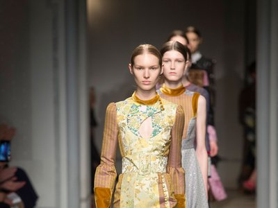 ¡Bravo! La colaboración de Erdem para H&M hará que acampemos de nuevo frente a la cadena sueca