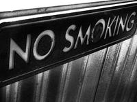 La prohibición de fumar en público ha hecho que disminuyan los partos prematuros