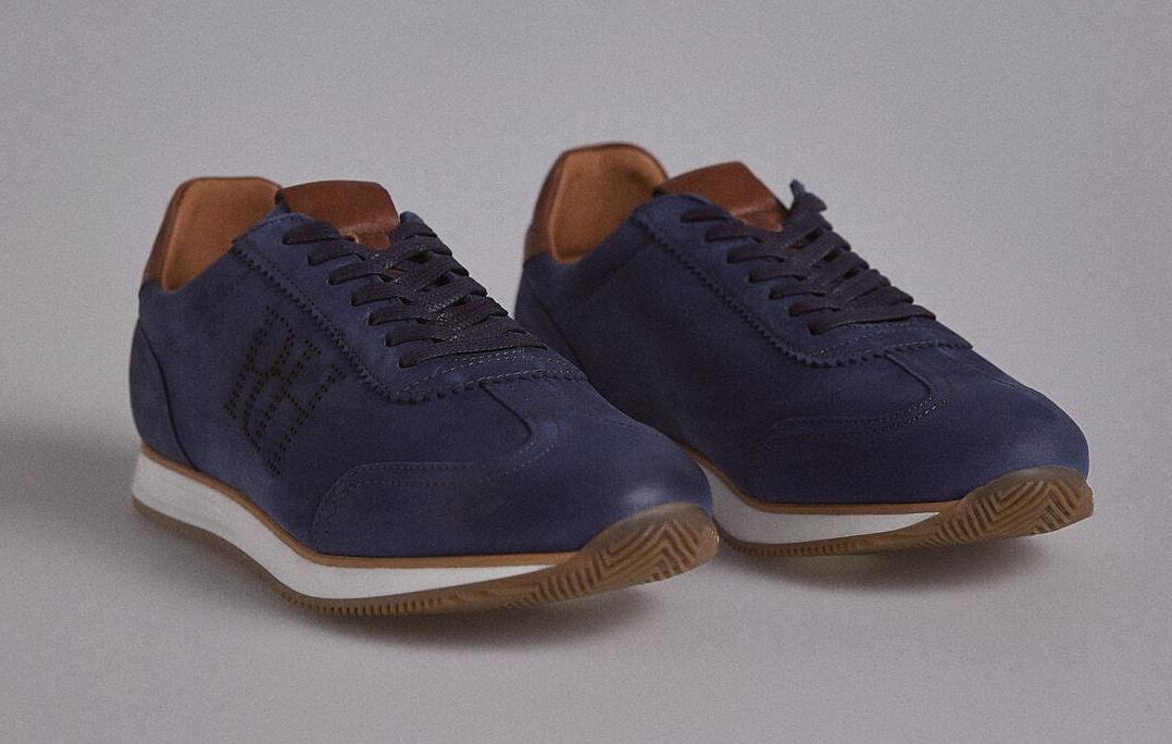 Sneaker nueva icono con big logo PdH efecto troquelado hecha en nobuck cepillado con piso goma confort.