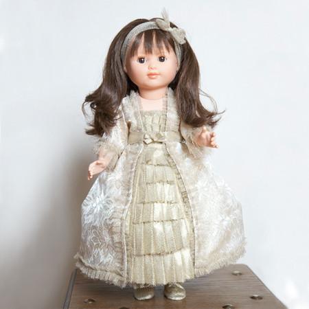 La muñeca Karl Lagerfeld a juego con el vestido para tu niña