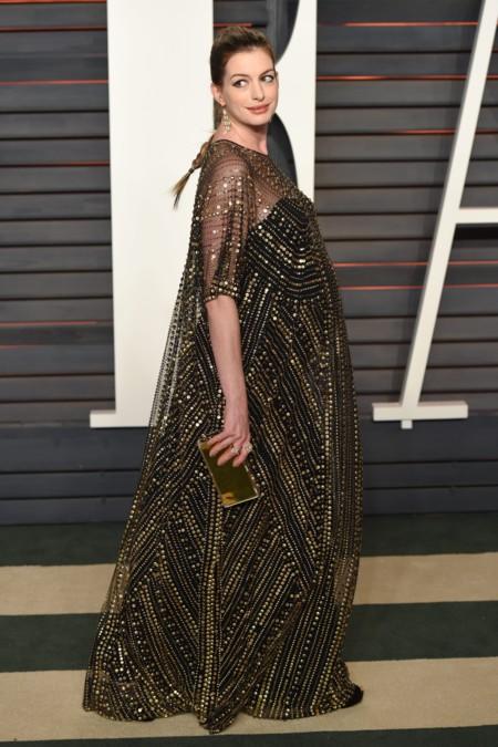Anne Hathaway Premama Fiesta