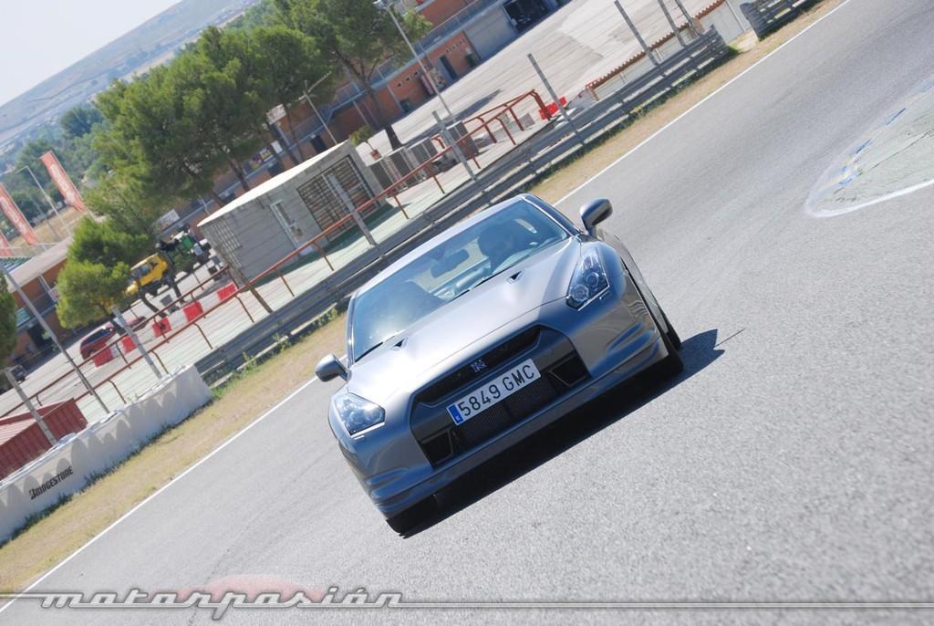 Foto de Nissan GT-R (prueba) (42/49)