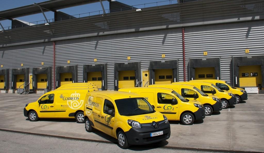 Correos busca 289 furgonetas diésel para el reparto porque