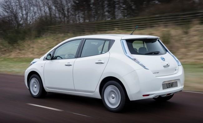 Nissan LEAF 2013 blanco 06