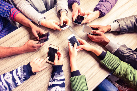 Los mexicanos ahora gastan menos en la compra de smartphones, la culpa es del dólar