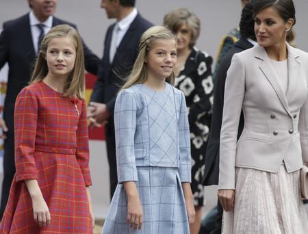 Pili Carrera, una de las firmas favoritas de Letizia para vestir a la Princesa Leonor y la Infanta Sofía, solicita la liquidación
