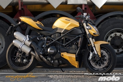 Ducati Streetfighter 848, prueba (conducción en autopista y pasajero)