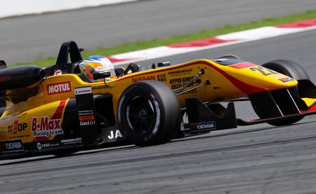 Mitsunori Takaboshi y Nobuharu Matsushita vencen en la Fórmula 3 japonesa en Fuji