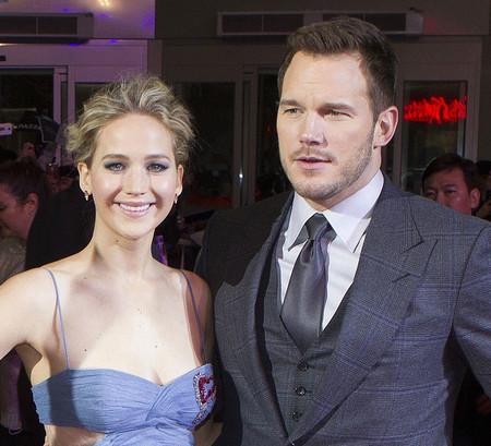 Jennifer Lawrence sigue apostando por faldas de tul en la premiere de 'Passengers' en Seúl