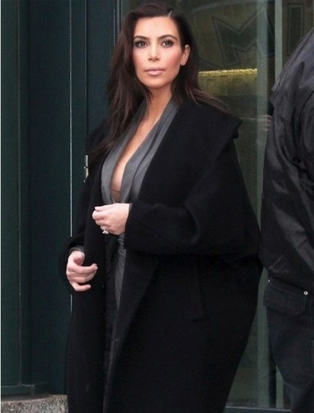 Kim Kardashian sigue con la chapa y pintura quirúrgica: ¡fuera estrías!