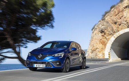 El Renault Clio E-Tech híbrido ya tiene precio para Francia: desde 22.500 euros, con dos motores eléctricos y 140 CV