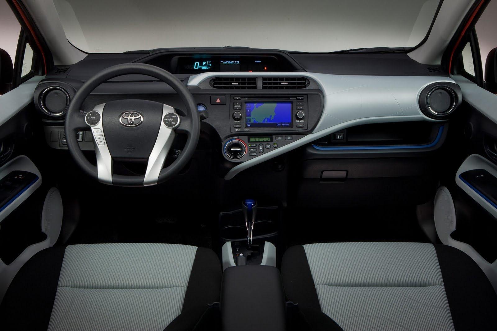 Foto de Toyota Aqua (JDM) (37/38)