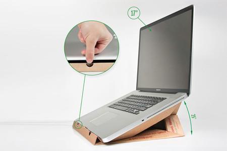 Hazte un soporte para el portátil con una caja de pizza