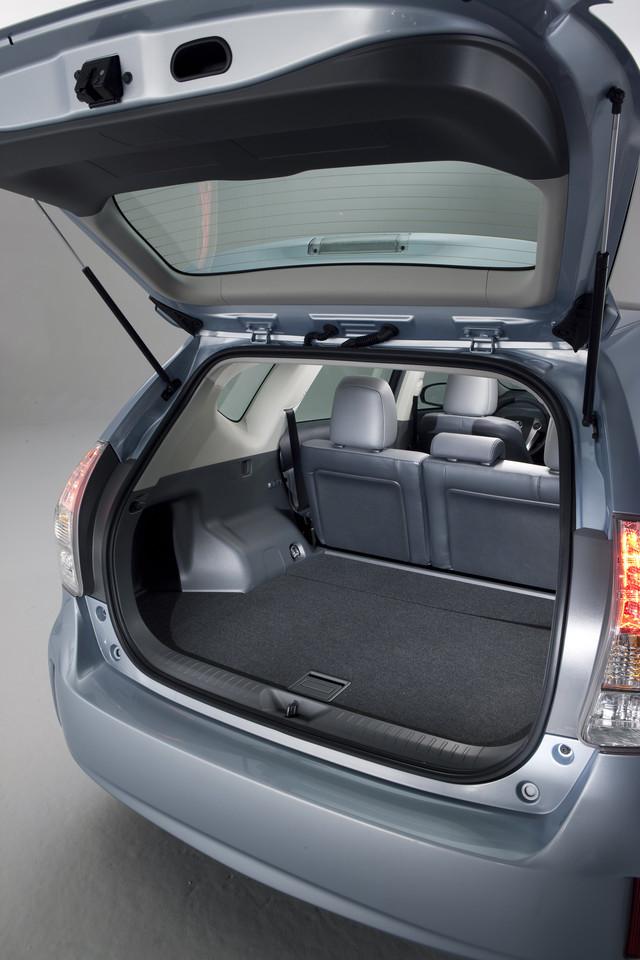 Foto de 2011 Toyota Prius v (49/77)