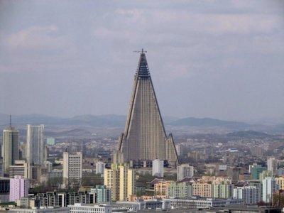 28 años después de empezar sus contrucción, el hotel más alto de Corea del Norte sigue abandonado