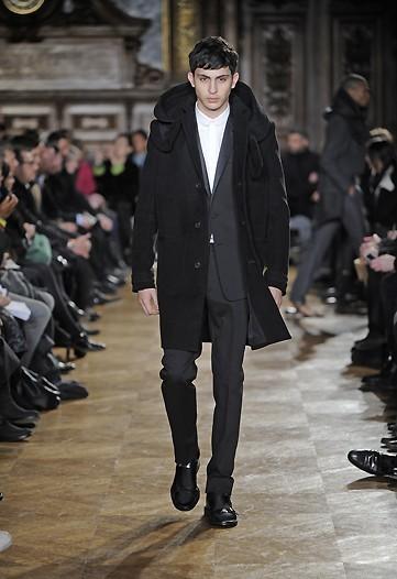 Foto de Givenchy, Otoño-Invierno 2010/2011 en la Semana de la Moda de París (8/10)