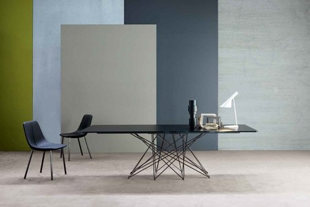Octa, la nueva mesa de Bonaldo, es ligera, resistente y elegante