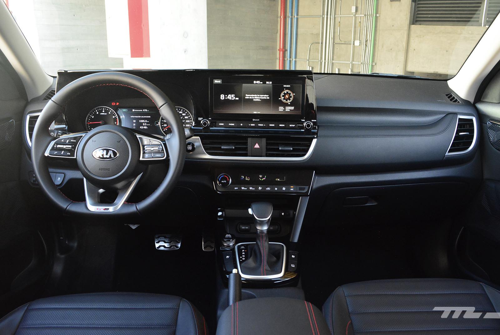 Foto de KIA Seltos vs. Mazda CX-30 (comparativa) (26/32)