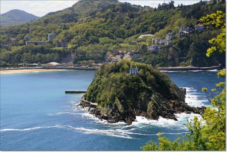Consejos para ir nadando hasta la Isla de Santa Clara en San Sebastián