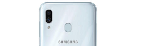 Samsung Galaxy A30 Trasera