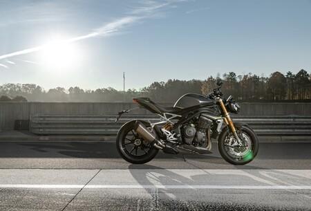 Triumph Speed Triple 1200 Rs 2021 041