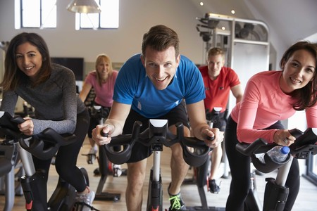 Adelgazar piernas bicicleta estatica