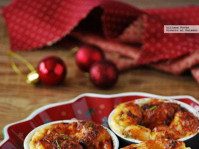 Soufflé fácil de queso emmental con jamón ibérico. Receta de Navidad