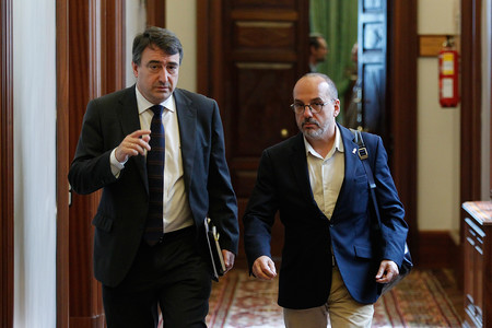 Esteban Y Campuzano