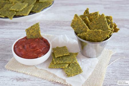 Nachos caseros crujientes de maíz y semillas: receta saludable para acompañar guacamole, hummus y otros picoteos