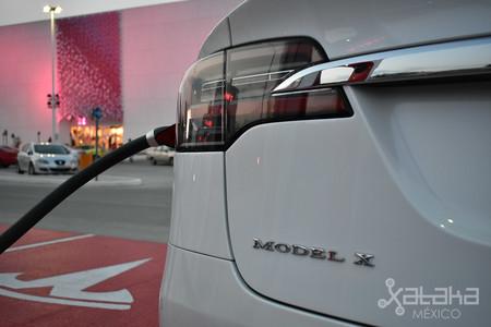 Tesla Model X Mexico 07