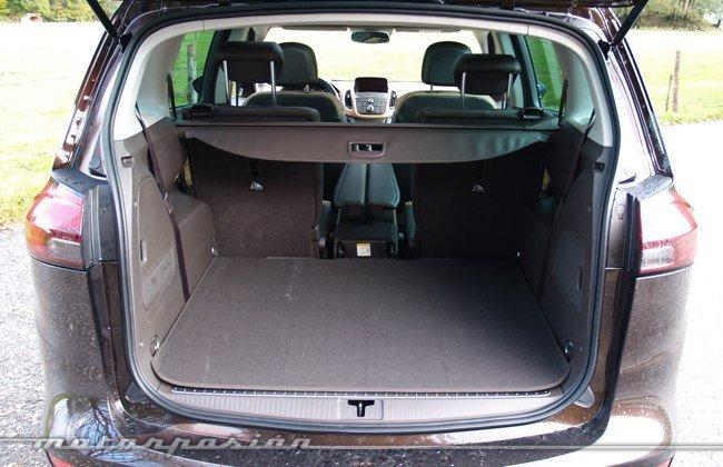 Opel-Zafira-Tourer-10
