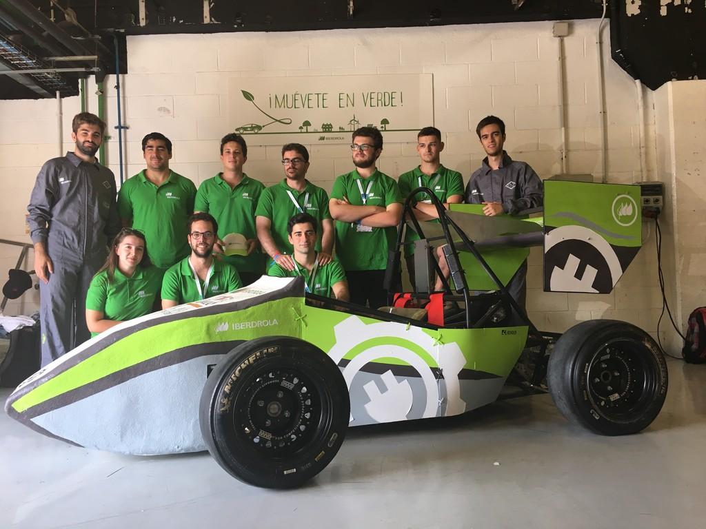 Los universitarios que han inventado un vehículo de corridas eléctrico desde 0