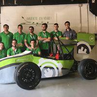 Los universitarios que han creado un coche de carreras eléctrico desde cero