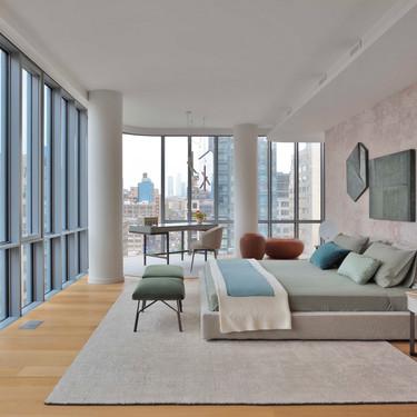 Este apartamento en el edificio de Renzo Piano de New York se viste con alfombras artesanales para dar calidez a sus impresionantes interiores