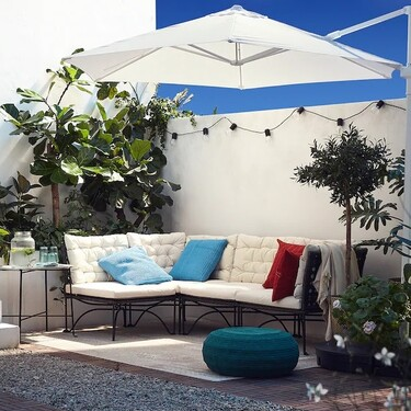 Dale color a tu terraza (y a muy buen precio) con estos cojines para exterior de Ikea
