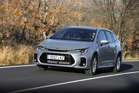 Probamos el Suzuki Swace, el Corolla Sports Touring que ha mutado a Suzuki para salvar sus emisiones de CO₂