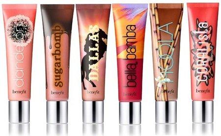 Los coloretes de Benefit ya no se sentirán solos gracias a los Ultra Plush Lip Gloss