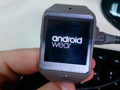 Desarrollador logra ejecutar Android Wear en el Samsung Gear 2