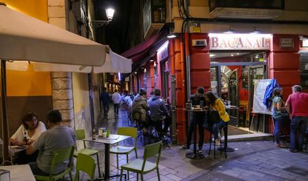 España cierra bares y discotecas: así están cambiando Tinder, Glovo y Netflix nuestros hábitos