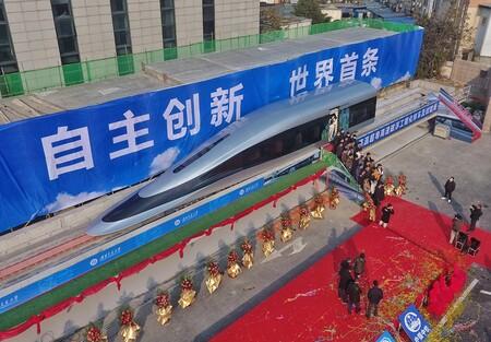 China muestra al mundo su nuevo prototipo de tren maglev: con 620 km/h busca ser el más veloz del mundo