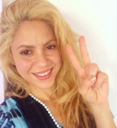 Shakira se lleva a Piqué por fin a Barranquilla, y Fonsi Nieto 'arregla' con Alba Carrillo