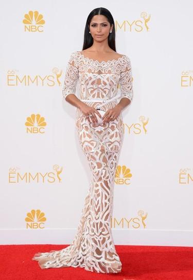 Camila Alves se hace un Beyoncé en los #Emmys2014