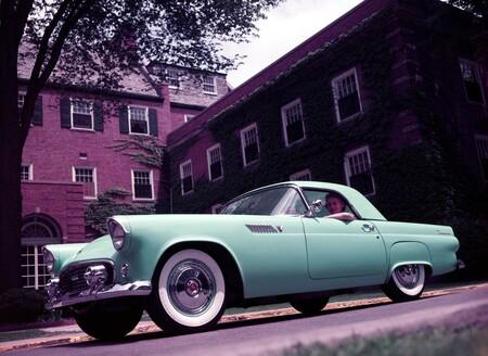 Ford Thunderbird podría revivir, pero ahora como un coche eléctrico