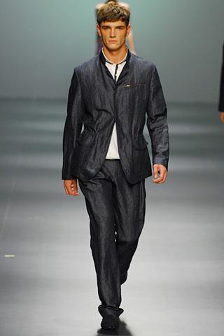 Foto de Adolfo Dominguez, Primavera-Verano 2010, en la Cibeles Fashion Week (2/11)
