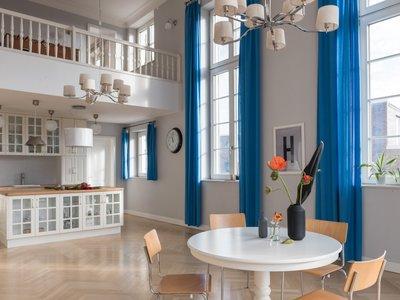 Hacemos prácticas decorativas en un dúplex de Berlín conservando todos sus muebles