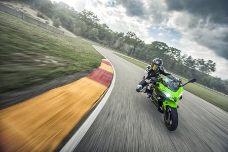 Kawasaki Ninja 400 2018 010