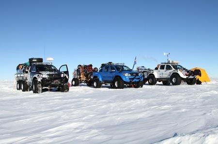 Conquistando la Antártida a los mandos de un Toyota Hilux